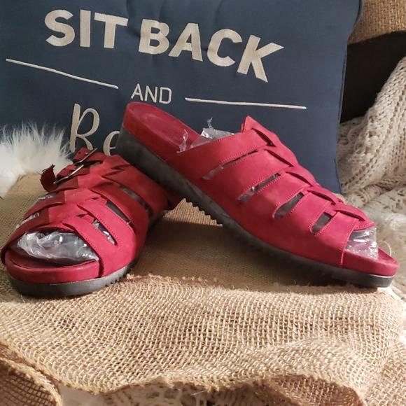 Munro American Sandals Size 12